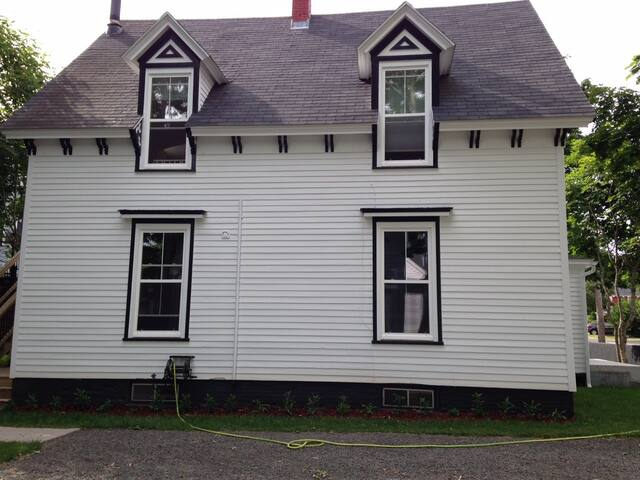 Historic Home Renovated and Central (downstairs) - Antigonish