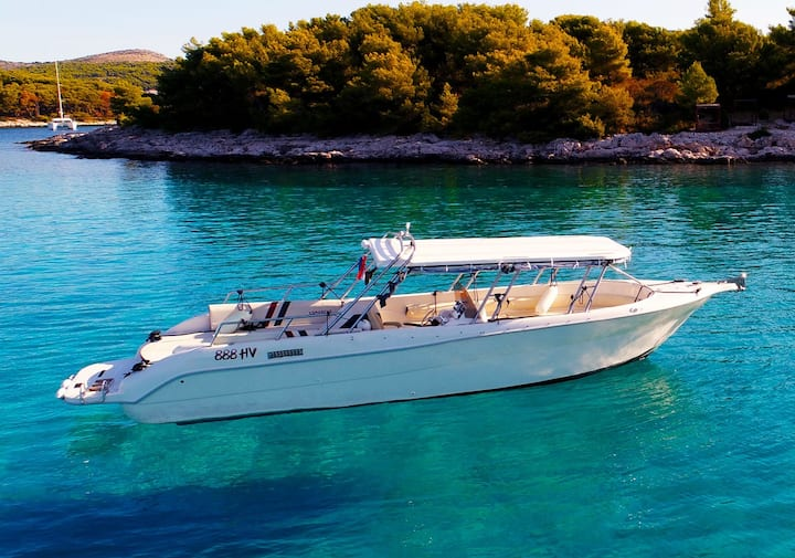Comanche luxury speed boat - Private tours - Hvar