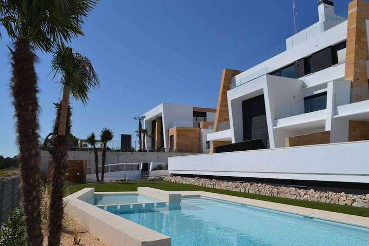 Casa Jo: panoramic & seaview near golf Villamartín