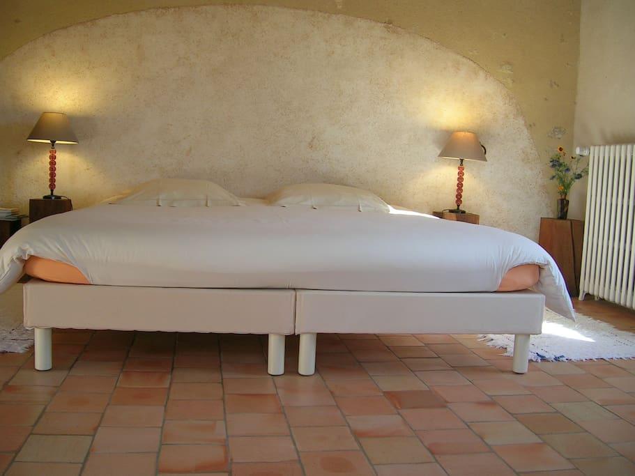 Le lit de 180