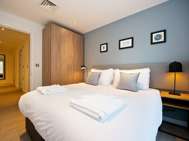 Three Bedroom Apartment Sleeps 8 in Staycity Aparthotel Manchester Piccadilly beside Piccadilly Train Station