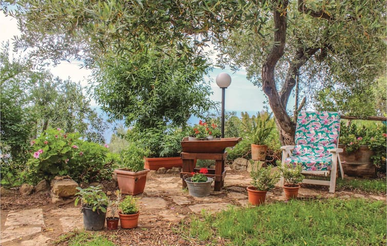 Semi-Detached with 3 bedrooms on 150 m² in Cefalu´-PA-