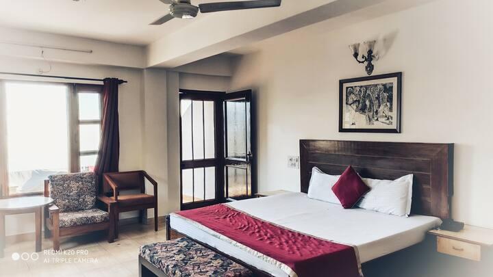 Deluxe Room | Amazing View | Kasauli