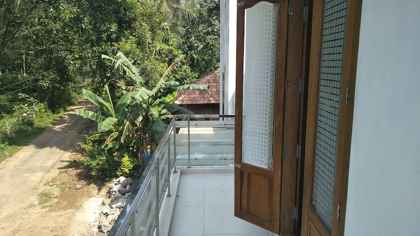 Raj's Villa, Velliyad, Ottapalam