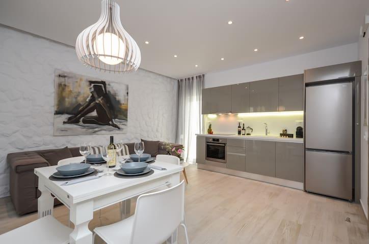 Elegant Apartments Grand