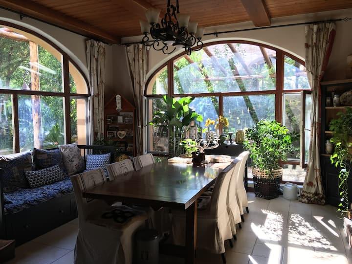 毗邻世博园温馨舒适美式乡村风格的双拼别墅