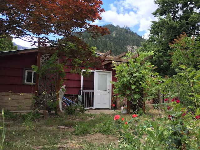 Studio Muse: One Month Sublet Only - Leavenworth - Dom