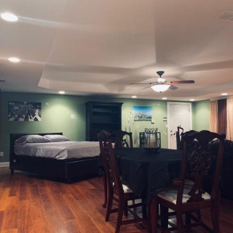 Warm and Cozy Guest Suite