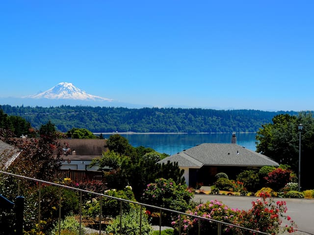 West Seattle apartment in The Arroyos