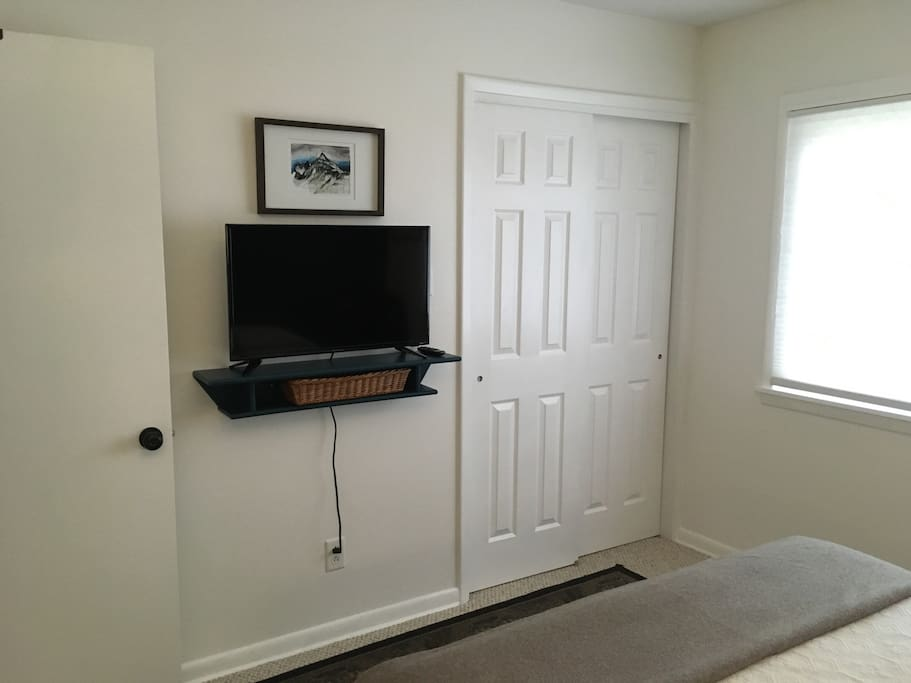 Our guestroom is equipped with a 32 inch flatscreen Roku TV.