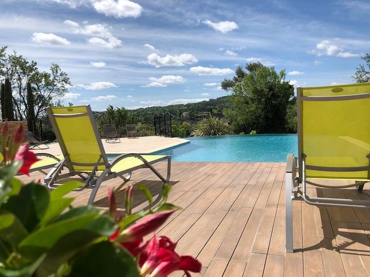 """Gîte vacances """"Gorges de l'Ardèche"""" dans résidence"""