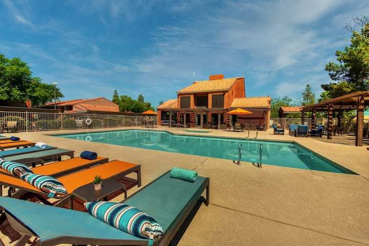 E3│Heart of Gilbert│Pool│King Beds│Remodeled