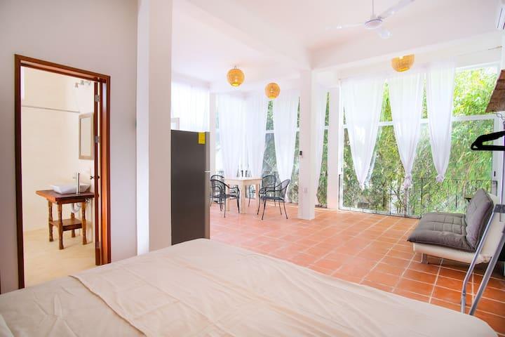 VERY NEW Spacious Studio in Tulum´s best spot @ V1 - Tulum