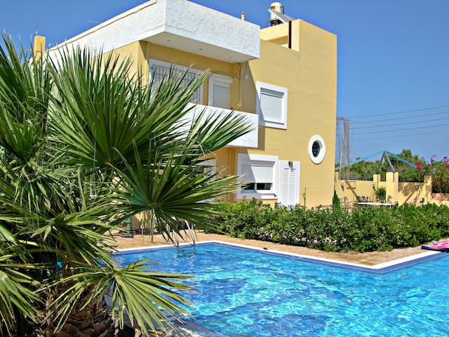 Cosy Maisonette next to the sea, with private pool - Kato Gouves - Dom