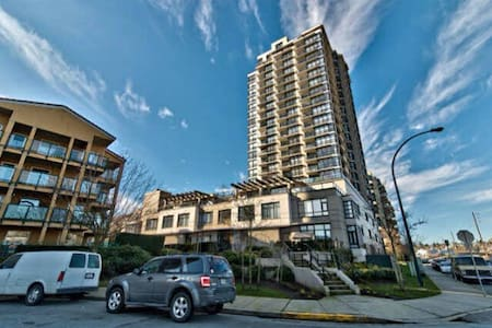 A 2 bedroom home on New Westminster Quay - New Westminster