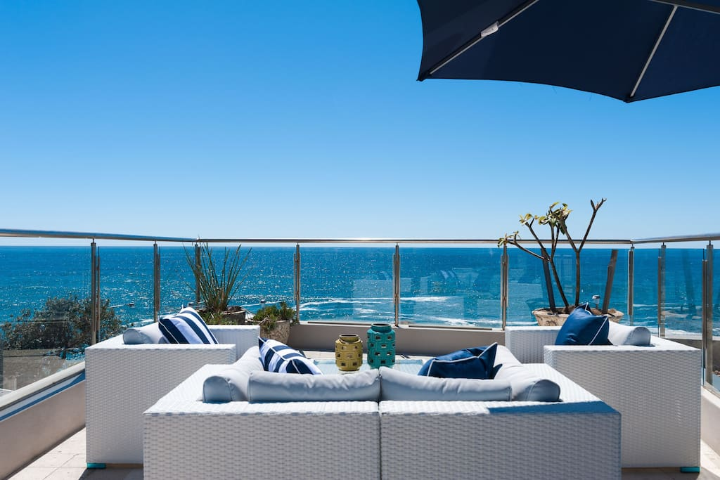 Rooftop terrace and 180 degree views of Pacific Ocean