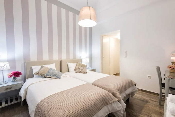 Hotel Oasis - Standard Room