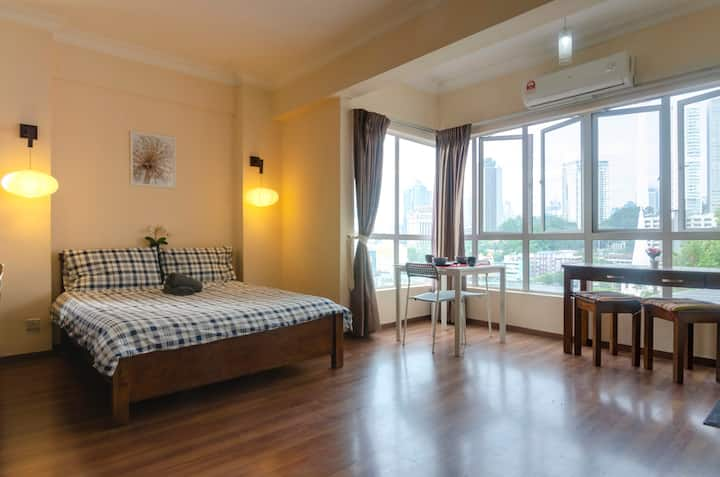 A Homely Studio in KL City with City Views