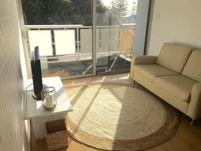 Charming Coastal Apartment - Cottesloe - Flat