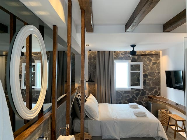 !! Luxury Room in the Heart of Mykonos !!
