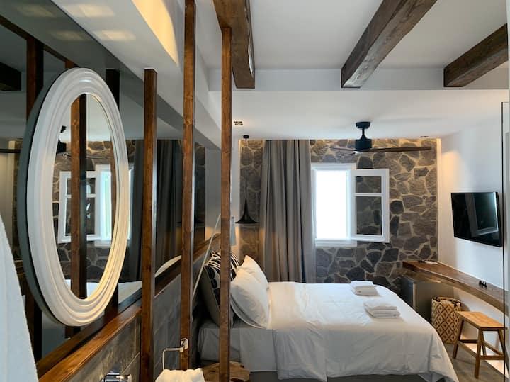 !! Luxury Room in the Heart of Mykonos !!