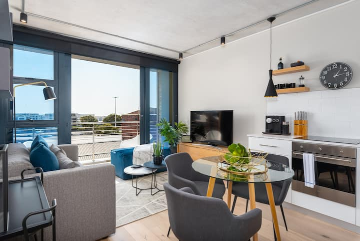 Brand New Modern De Waterkant Apartment