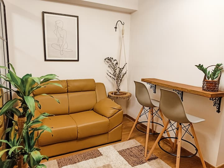 1BR  Makati Condominium unit