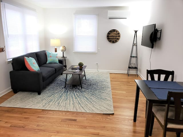 Spacious Dog Friendly Close to Downtown and UVA
