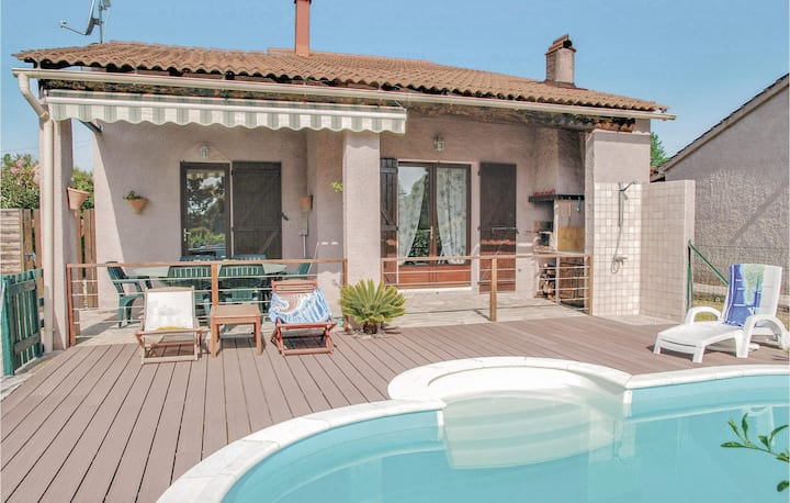 Stunning home in Venzolasca with WiFi and 3 Bedrooms