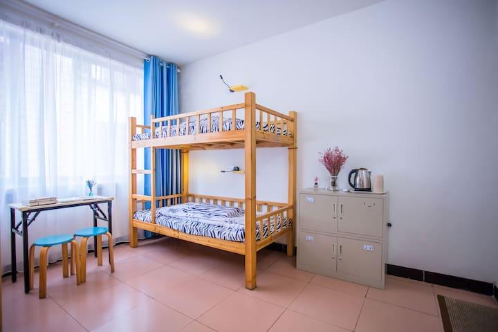 桂林北站/女生四人床位间(带独立卫浴)4-Bed-Female-Dorm