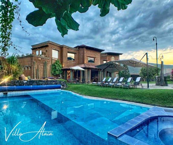 VILLA ALAIA - Deluxe villa, pool, garden, views