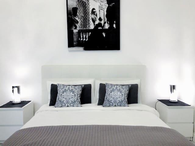 WHITE Luxury Modern apartment City Center Florence - Floransa - Ortak mülk