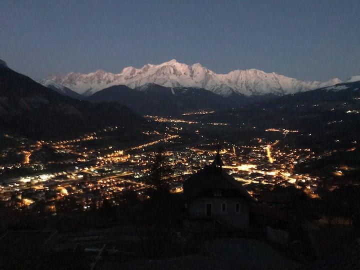 Appart. 50m2 Rdc chalet contemporain face Mt Blanc