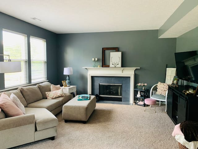 Perfect 4 bedroom house, updated & good location!