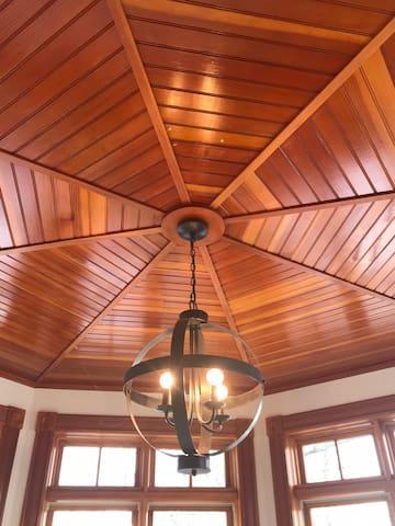 """""""Rotunda"""" room ceiling"""