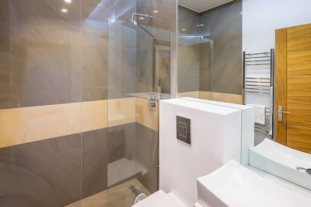 Elegant 1 bed flat-easy reach of Kilburn/MaidaVale