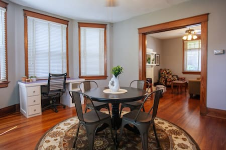 Private Clean and Comfortable 5 Star Oakley Home