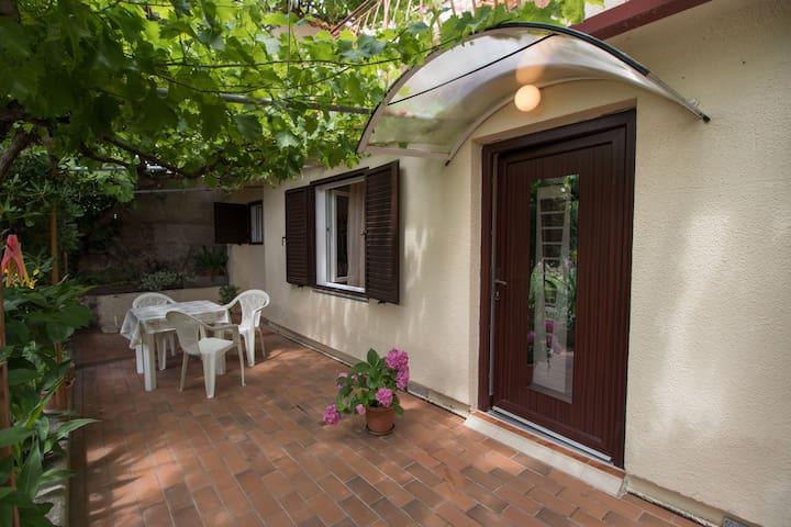1 Zimmer Ferienwohnung, am Meer, In Barbat - Insel Rab, Terrasse