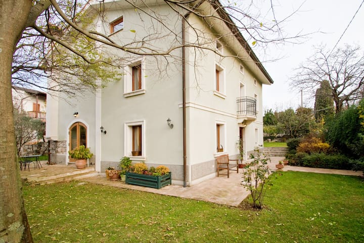Atmosfera di una casa del 1905 - Sistiana - Ev
