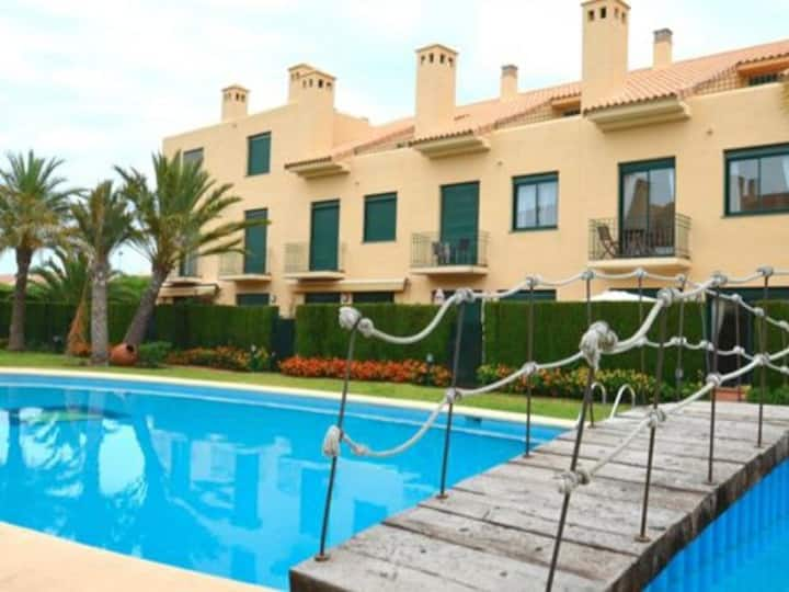 Casa Bonita, 3 bedrooms, air con and LARGE pool