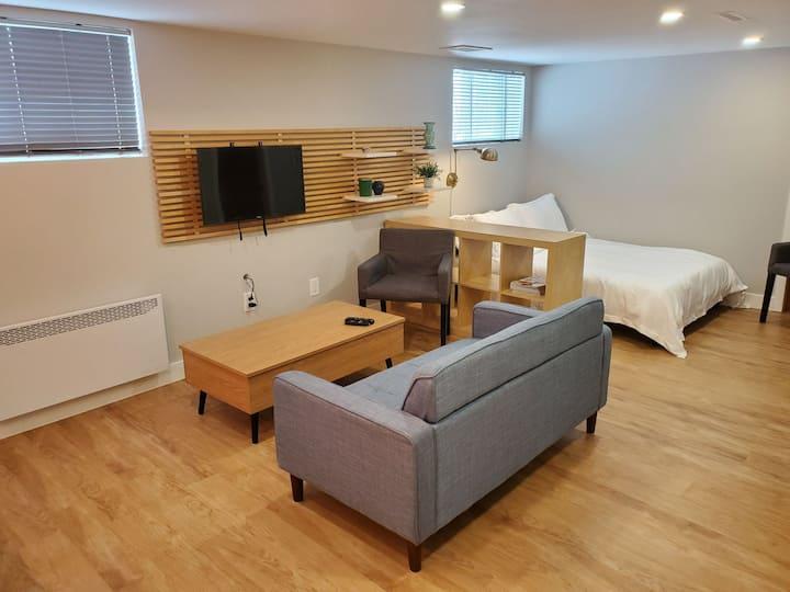 Studio/Chambre avec entrée privée près de Montréal