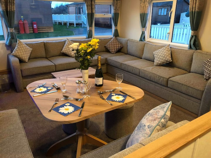 Castle View Caravan, Tattershall Lakes