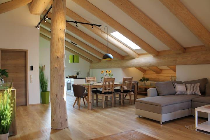 Ferienwohnung Naturstammhaus Gebhart