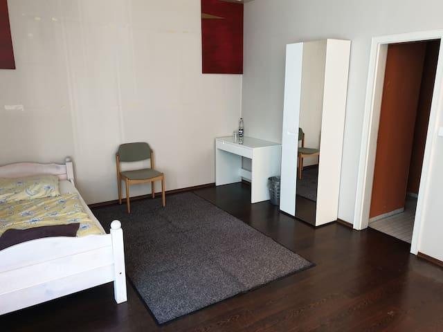 Bremen-Mahndorf 27M² großes Privatzimmer