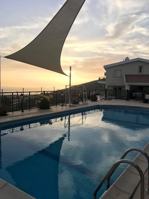 Holiday Paradise at Paphos Stunning view and pool