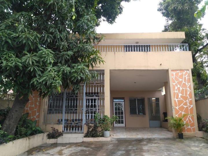Résidence de prestige 5 chambres à Delmas 71