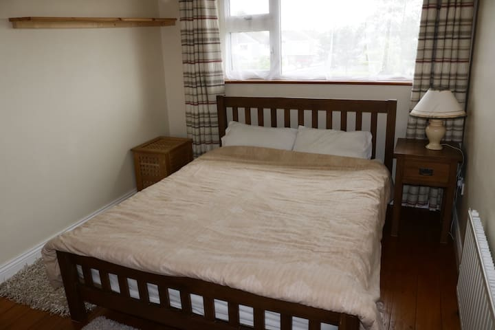 Double Room for Rent in Creative House