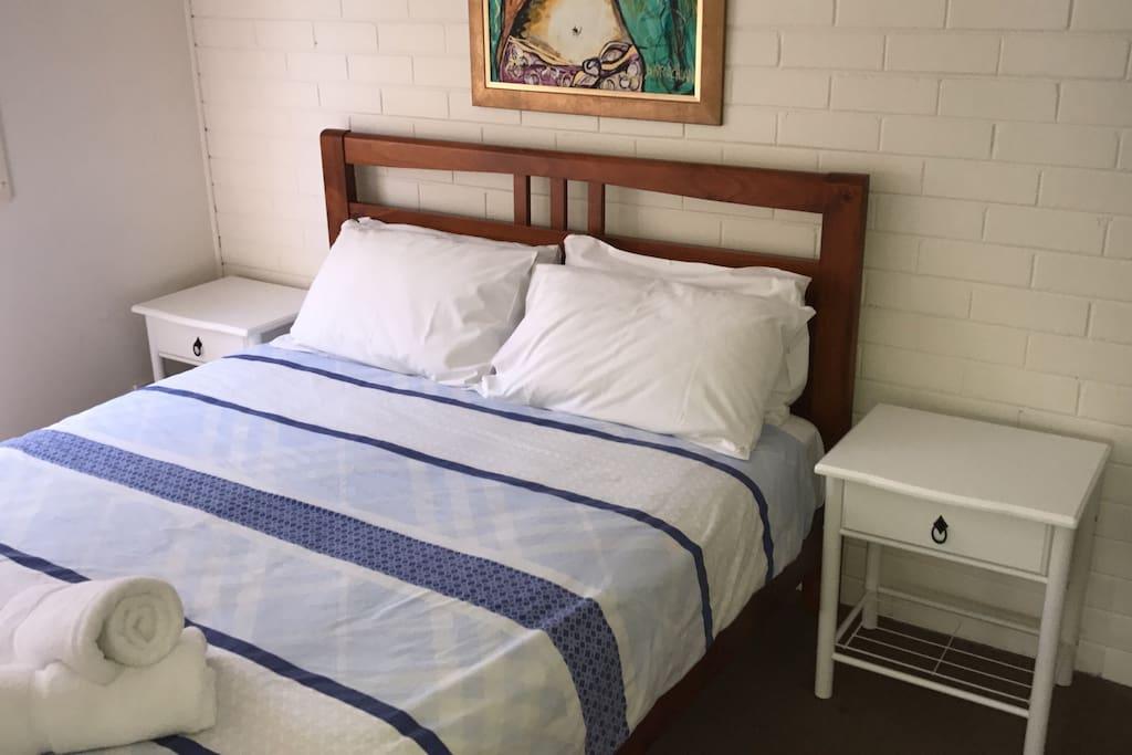 2nd Bedroom- Queen