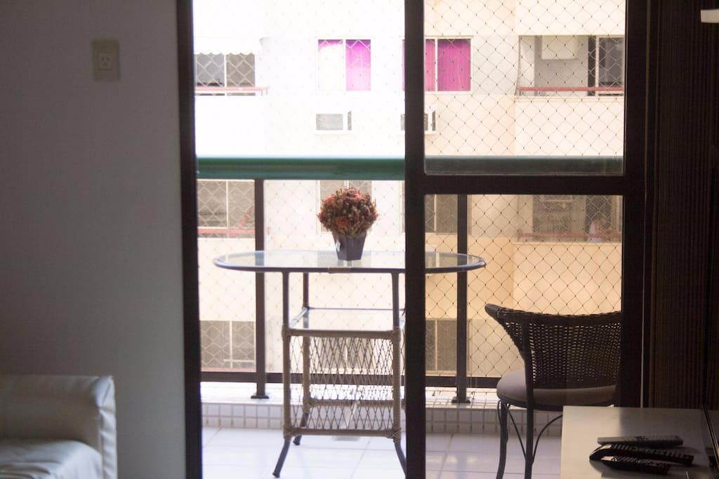 Visão da sala para varanda