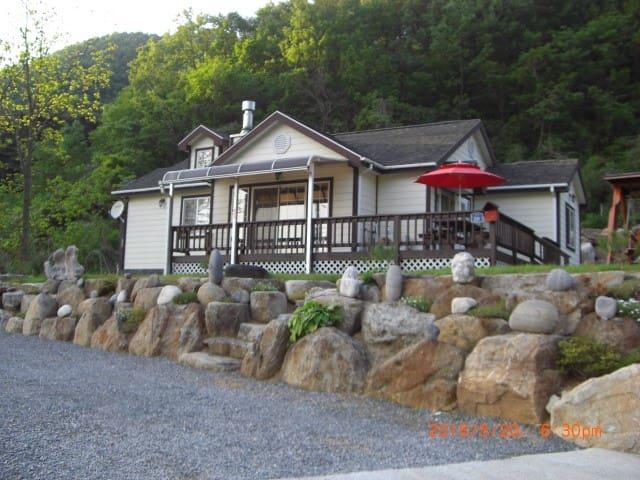 이돌람바 별장 - Danyang-gun - Casa en un árbol